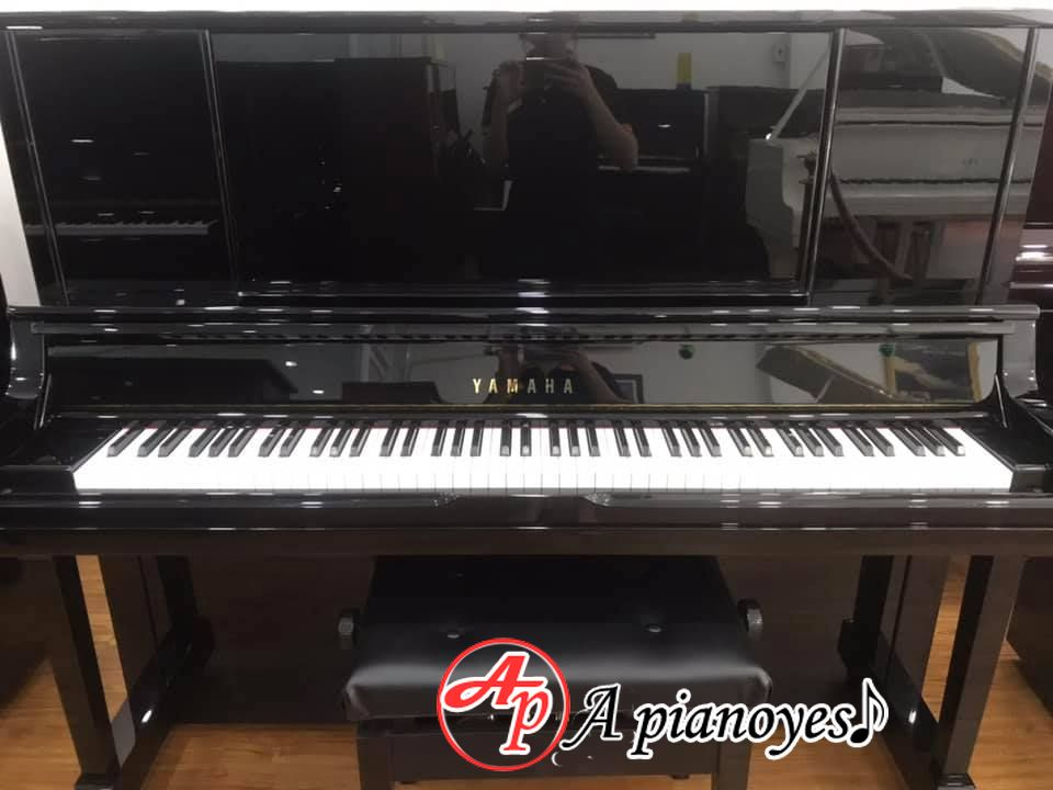 piano yamaha ux30a