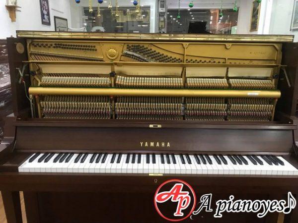 piano cơ cũ
